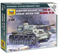 Zvezda Models  1/100 German Pz.Kpfw.IV F2 Medium Tank (Snap) ZVE6251