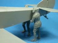 RFC Air Mechanics lifting the tail #CSMF32-023