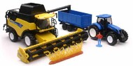 NewRay Diecast  1/18 New Holland Harvester CR9090 Farm Vehicle & Tractor w/Trailer (Die Cast) NRY5765