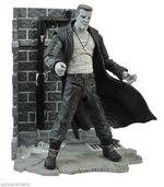 "2014 Diamond Select Sin City 7"" Marv Deluxe Action Figure with Diorama Base 9781605844183"