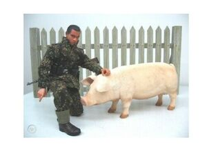 """1/6 Scale 12"""" Full Length Fence with Pig Figure 71397 71397"""